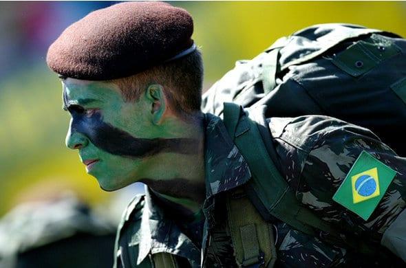 emprestimo soldados engajados