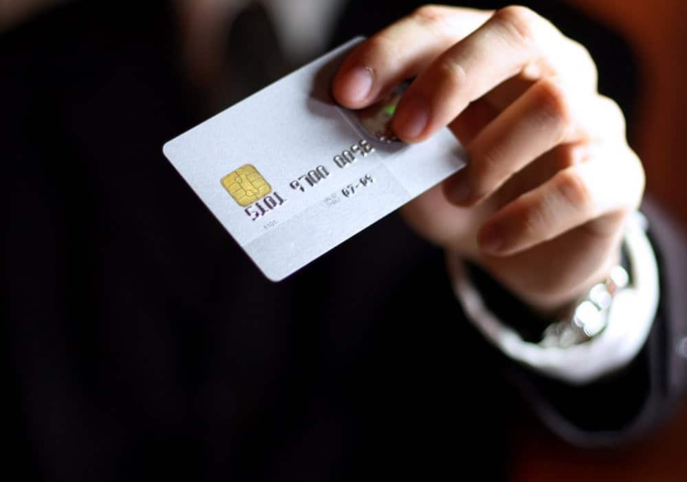 Cartão pré-pago - Fazer compras, pagar contas e saques
