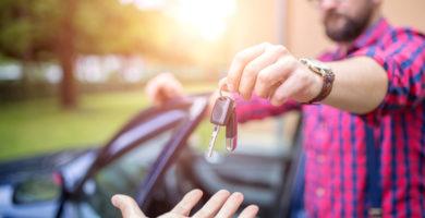 É possível vender ou trocar carro com dívida? Saiba mais!